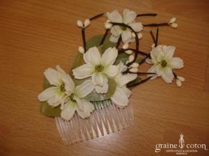 Whichgoose - Peigne avec feuilles naturelles séchées et fleurs en tissu