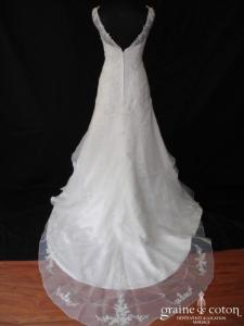 Création - Robe taille basse en organza blanc (bretelles V guipure dentelle)