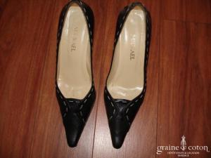 Mickael - Escarpins (chaussures) en cuir bleu marine avec coutures ivoires apparentes