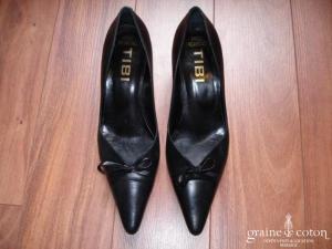 Tibi - Escarpins (chaussures) en cuir noir