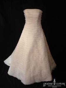 Les mariées d'Elodie - Robe en bandes horizontales d'organza ivoire clair