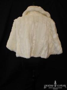Manteau court en fausse fourrure ivoire