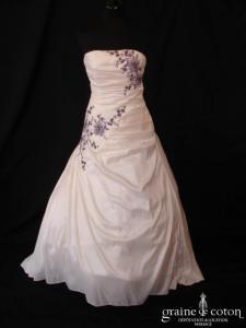 Pronuptia - Noce de vermeille (taffetas drapé broderies violettes)