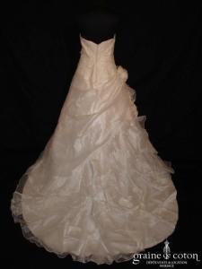Miss Kelly - Robe blanche en organza drapé brodé de perles (coeur)