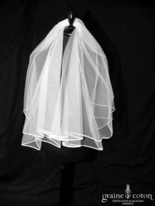 Voile court en tulle blanc bordé d'un biais de satin (W5 avec rabat)