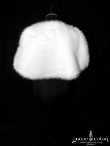 Étole / cape en faux duvet ivoire (E1 plumes fourrure)