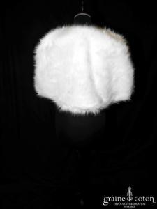 Étole / cape en faux duvet blanc (E1 plumes fourrure)