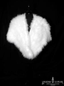 Étole / cape en duvet de cygne ivoire (E11 plumes fourrure)