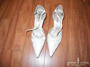 Carla Selvone - Escarpins (chaussures) en tissu plissé ivoire