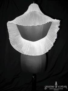 Juste un baiser - Étole tube en organza plissé ivoire