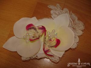 Accessoire de cheveux ou autre - Orchidées et dentelle ivoire (petit modèle)