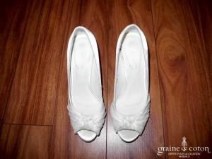 Escarpins (Chaussures) en satin blanc