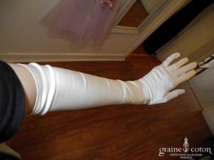 Pronuptia - Gants mi longs en soie ivoire