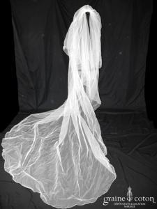 Manuel Mota (Pronovias) - Voile long de 3 mètres en tulle ivoire bordé de fines perles