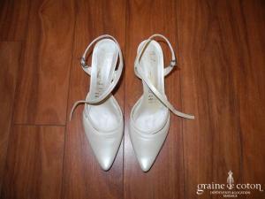 Carla Selvone - Escarpins (chaussures) à lanières type babies ivoire