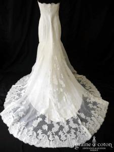 Pronovias - Robe sirène en dentelle de Calais et gaze de soie ivoire