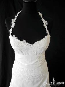 Mariées de Provence - Nougatine (blanche  dentelle de Calais tour de cou taffetas tulle)