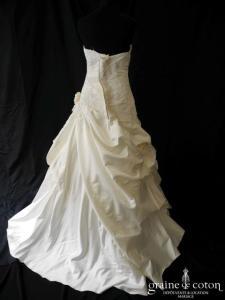 Miss Kelly - Robe en satin ivoire drapé (dentelle taille basse coeur)