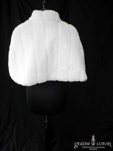 Étole en fausse fourrure ivoire, doublée de velours côtelé
