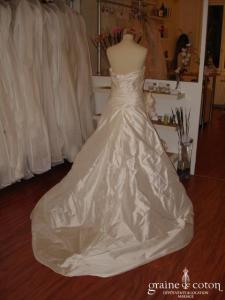 Pronovias - Barcino, jupon inclus