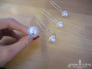Lot de 4 pics à chignons perles cerclées de strass