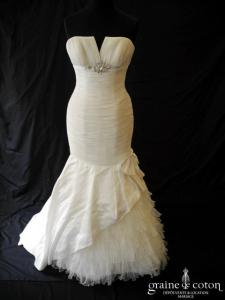 Pronovias - Prototype (sirène satin plissé tulle empire fourreau noeud)