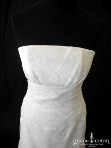 Création Fan de soie - Robe empire en dentelle ivoire clair (sirène fluide)