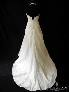 Pronuptia - Noce de nacre (bretelles tour de cou dentelle taffetas drapé coeur)