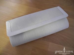 Pochette en satin et sisal ivoire