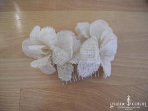 Peigne fleurs en sisal écru