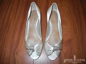 Cosmo Paris - Escarpins (chaussures) ouverts en satin ivoire