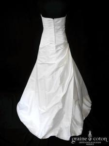 Eglantine Créations pour Pronuptia - Claire (soie sauvage drapé dos boutonné)