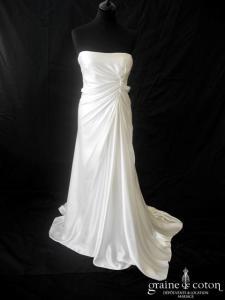 Reem Acra - Lady Slipper Ivory (satin de soie empire fluide drapé)