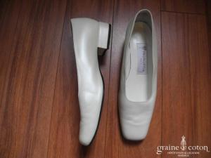 Pronuptia - Escarpins (chaussures) en cuir ivoire nacré