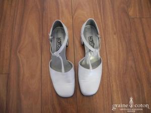 Harcourt - Escarpins (chaussures) en cuir blanc