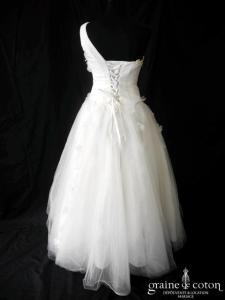 Jasmin pour Gl'Amour - Robe en tulle drapé ivoire clair avec bretelle asymétrique
