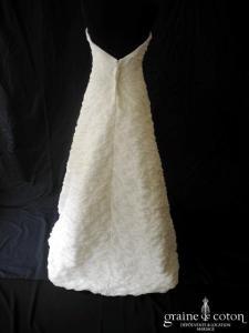 Tara Deva - Robe en organza plissé ivoire et guipure de dentelle (dos V)