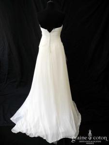 Catherine Marechal - Création en mousseline de soie ivoire clair (fluide drapé courte ou longue coeur dos boutonné)