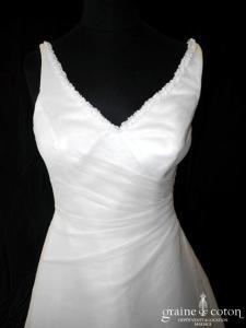 Maylise - Robe en organza drapé ivoire (décolleté V bretelles dentelle dos boutonné)