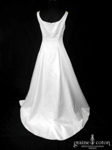 Tara Deva - Robe en satin ivoire (décolleté rond bretelles)