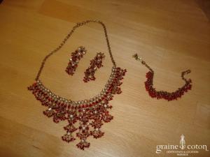 Parure de bijoux rouge et doré