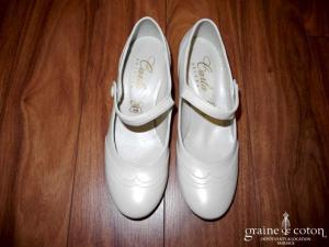 Carla Selvone - Escarpins (chaussures) en cuir ivoire type babies