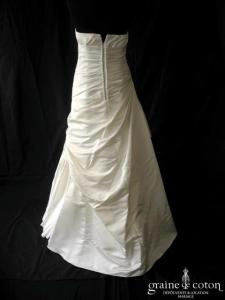 White One - Modèle 3054 (drapé satin sirène taille basse coeur dos boutonné bustier)