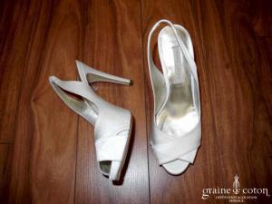 Pura Lopez - Escarpins (chaussures) bouts ouverts en satin ivoire clair