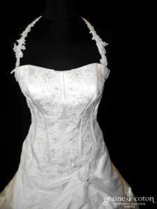 Sincerity Bridal - Robe en taffetas et dentelle ivoire (bretelles tour de cou dos boutonné coeur taille basse)