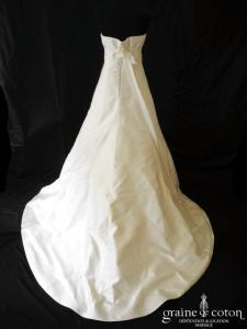 Pronovias - Reflejo (empire mikado de soie dos boutonné bustier)