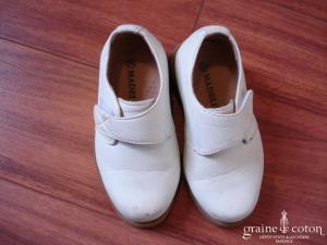 Madelie - Chaussures ivoires en cuir pour petit garçon