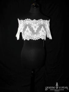 Bianco Evento - Boléro boutonné dans le dos, manches courtes en dentelle ivoire (E148)