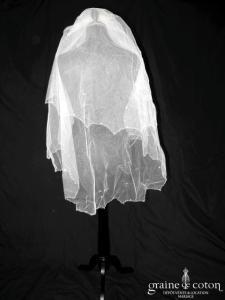 White One (Pronovias) - Voile mi long en tulle ivoire brodé de fines perles