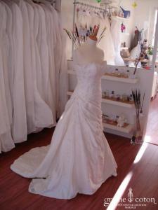 San Patrick (Pronovias) - Robe en soie sauvage et fines broderies